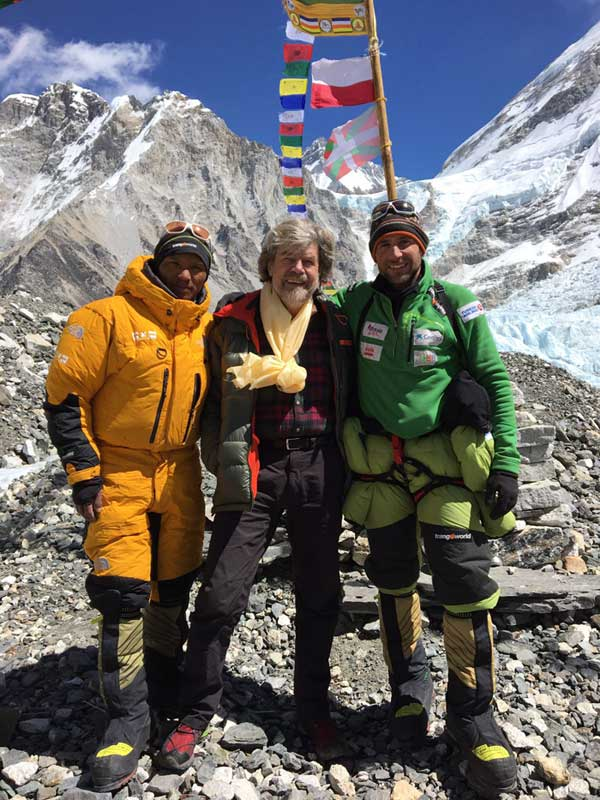 alex-txikon-with-reinhold-messner-base-camp-everest